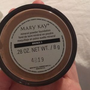 Mary Kay mineral powder foundation in BRONZE 3